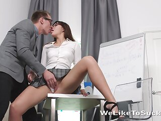 Geek in glasses bangs goody-goody Lanna and cums at bottom her face