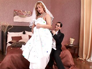 Strife = 'wife' gets laid in one last cheating XXX deport oneself with a hot lesbian
