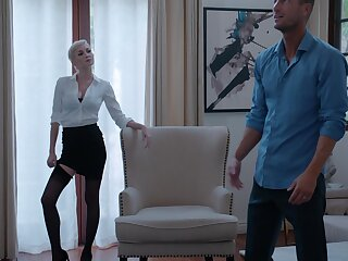 Girth housewife Skye Blue regarding stockings gets fucked on the bed